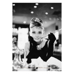 Carte Postale AUDREY HEPBURN - Breakfast at Tiffany's